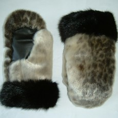 Ring seal skin mitts